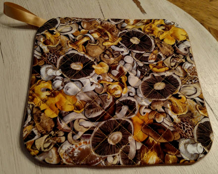 quilted plate mat